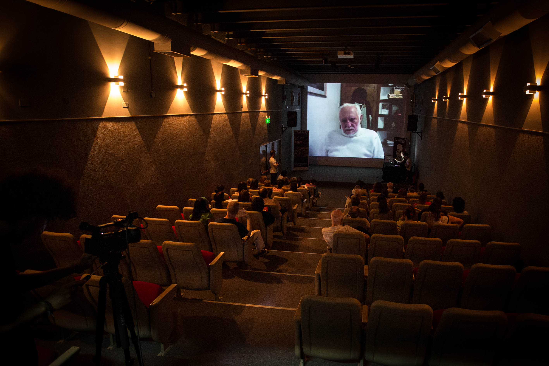 12-Videoconferencia-Shakespeare2014-220214